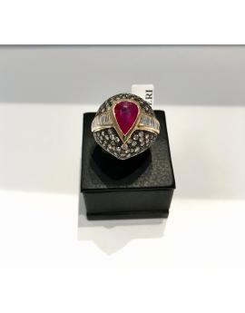 Anello con rubino e diamanti